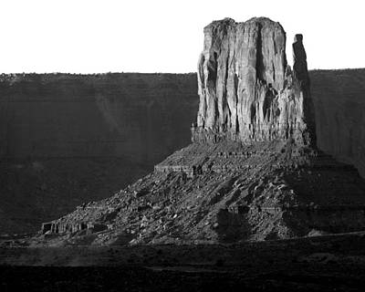 Photograph - Monument Valley 2 by Jeff Brunton