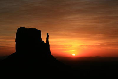 Photograph - Monument Valley 32 - West Mitten Sunrise # 2 by Allen Beatty