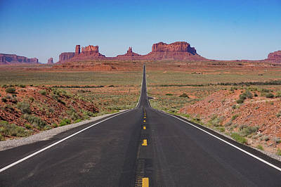 Photograph - Monument Valley by Bill Gabbert