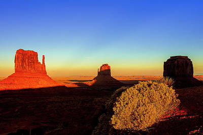 Photograph - Monument Valley Evening by Andrew Soundarajan