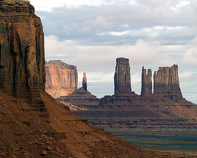 Photograph - Monument Valley Morning 11 by Jeff Brunton