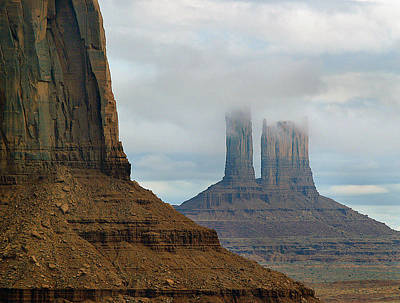 Photograph - Monument Valley Morning 4 by Jeff Brunton