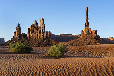 Photograph - Monument Valley Totem Pole N The Yei Bi Chei Dsc03535 by Greg Kluempers