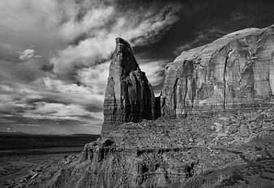 Photograph - Monument Valley View by Art Cole