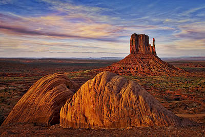 Photograph - Monument Valley West Mitten by Susan Candelario
