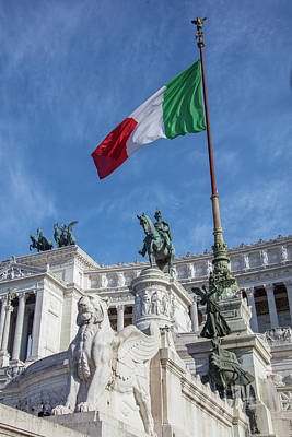 Photograph - Monumento A Vittorio Emanuele II With Flag by John McGraw