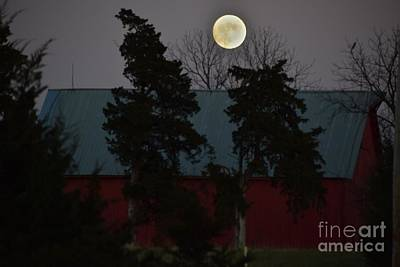 Photograph - Moon Over A Kansas Barn by Mark McReynolds