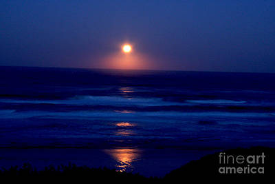Gold Photograph - Moon Set by Gary Wing