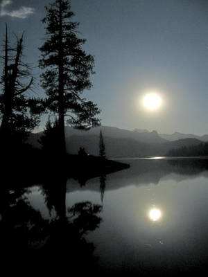 Print featuring the photograph Moonrise At Edison by Larry Darnell