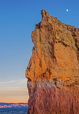 Cliff Digital Art - Moonrise Over Bryce Canyon by Duane Miller