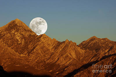 Photograph - Moonrise Over El Lucero by Rod Jones
