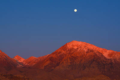 Photograph - Moonset At Dawn Above Mount Tom - Eastern Sierra California by Ram Vasudev