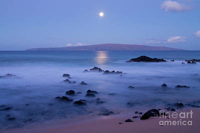 Photograph - Moonset At Makena by David Olsen