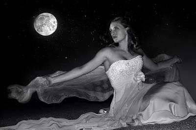 Photograph - Moonstruck by Jean Hildebrant