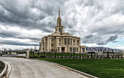 Photograph - Mormon Temple Payson Utah by James Hammond