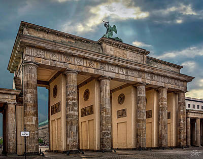 Photograph - Morning At The Brandenburg Gate  by Endre Balogh