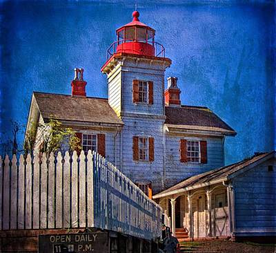 Photograph - Morning At The Yaquina Bay Lighthouse by Thom Zehrfeld