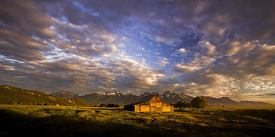 Pioneer Photograph - Morning Drama by Andrew Soundarajan