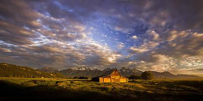 Art.barn Photograph - Morning Drama by Andrew Soundarajan
