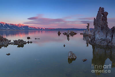 Monolake Photograph - Morning Glow by Richard Sandford