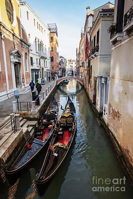 Morning In Venice In Winter Art Print