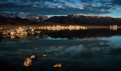 Photograph - Morning Light At Mono Lake by Ralph Vazquez