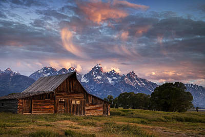 Art.barn Photograph - Morning Mountain View by Andrew Soundarajan