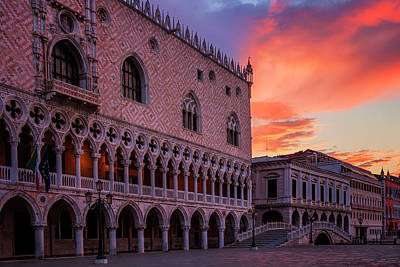 Photograph - Morning Skies Over Venice by Andrew Soundarajan