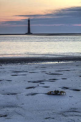 Morris Island Lighthouse And Crab Art Print