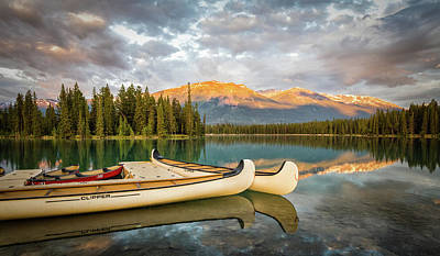 Photograph - Jasper Lake Canoes by John Johnson