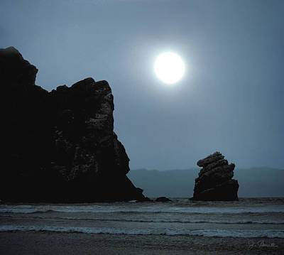 Photograph - Morro Bay Sea Rocks And Sun by Joe Bonita