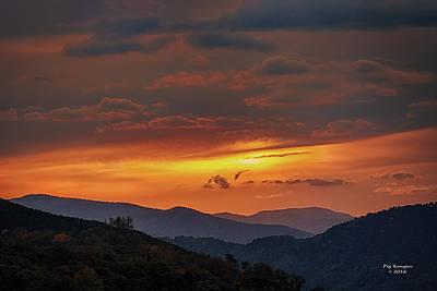 Photograph - Morton Overlook Sunset by Peg Runyan