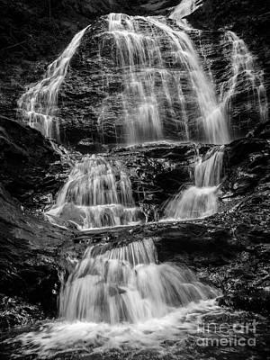 Rock Images Photograph - Moss Glen Falls Vermont by Edward Fielding