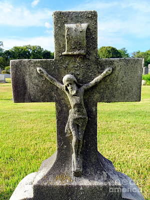 Photograph - Moss On Cross by Ed Weidman