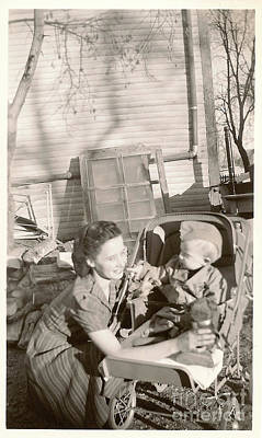 Photograph - Mother And Child Wwii by Donna Munro