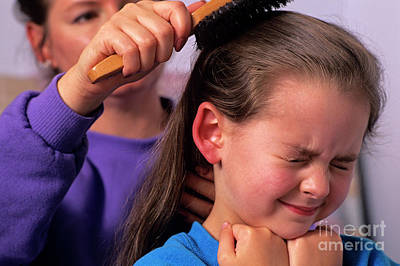 Photograph - Mother Combing Daughters Hair by Jim Corwin