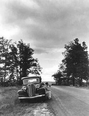 Chautauqua Lake Photograph - Motorist Parked By Roadside by Underwood Archives