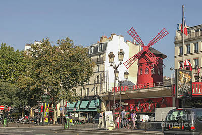 Photograph - Moulin Rouge by Patricia Hofmeester