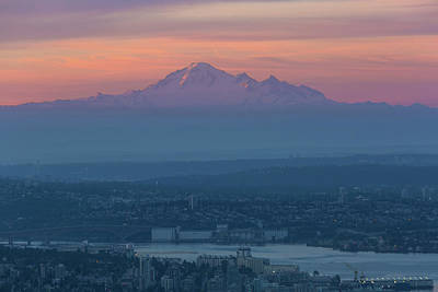 Photograph - Mount Baker At Sunrise by David Gn