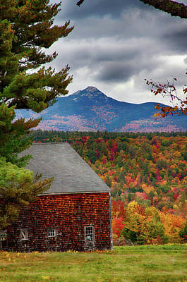Photograph - Mount Chocorua Over The Barn by Jeff Folger
