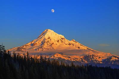 Mount Hood Last Light In Oregon Usa Art Print