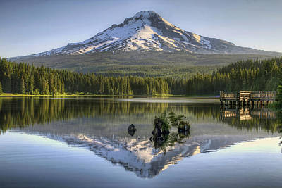 Mount Hood Reflection On Trillium Lake Art Print by David Gn
