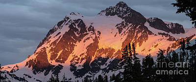 Table Mountain Photograph - Mount Shuksan Brilliant Alpenglow by Mike Reid