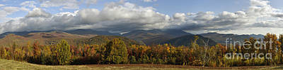 Photograph - Mount Washington Autumn - D005841 by Daniel Dempster