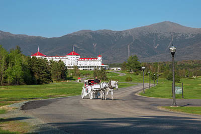 Photograph - Mount Washington Wagon Ride by Chris Whiton