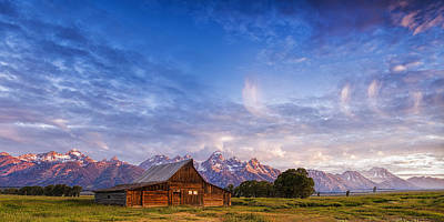 Mountain Barn Morning Art Print