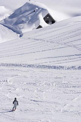 Thomas Kinkade - Mountain skiing by Ian Middleton
