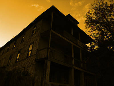 Photograph - Mountain View Hotel by Nature Macabre Photography