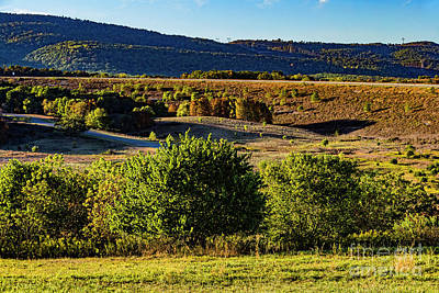 Photograph - Mountains And Valley 1592t by Doug Berry
