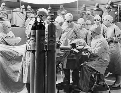 Healthcare And Medicine Photograph - Movie Still Operating Room by Underwood Archives